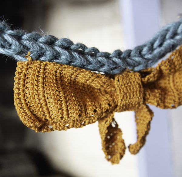 detail feestelijke slinger traditioneel