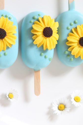 IJsjes van cake, Mjamtaart, bakken, zomer, bloemen