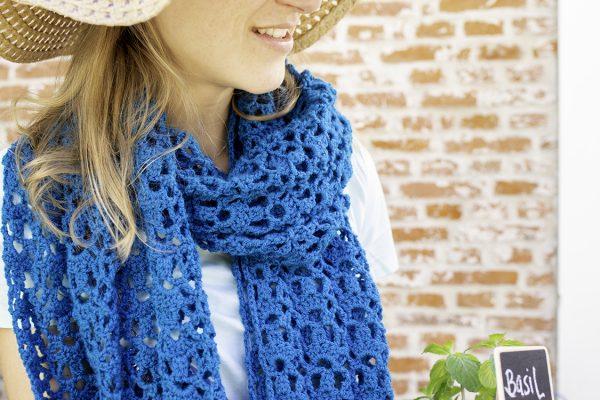 detail blauwe sjaal